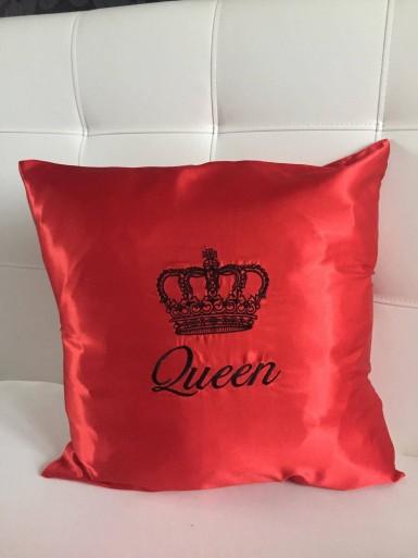 Red Queen pillow 50x50